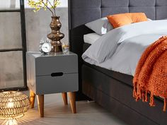 10 nachtkastjes om je slaapkamer te stijlen | SwissSense.nl