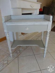 coiffeuse coiffeuse ancienne relook e pinterest coiffeur peinture meuble et meubles. Black Bedroom Furniture Sets. Home Design Ideas