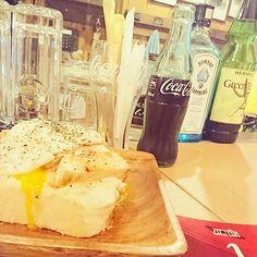 #夕食 は#zeppelin 🔥チキンのオープンサンド#🍗 #🍞 #美味しかった #😋 : : #hokkaido #city #bar #pub #tavern #chicken #egg #hot #toast #bread #foodpic #yum #delish #coke #cola #smoke #foodporn #meat #instafood #photos