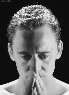 Tom Hiddleston and Loki have caused me to have to move into a tree house to cope, Please come visit and bring tea. Thomas William Hiddleston, Tom Hiddleston Loki, Gifs, Beau Gif, Her Cast, British Men, British Actors, Loki Laufeyson, Cinema