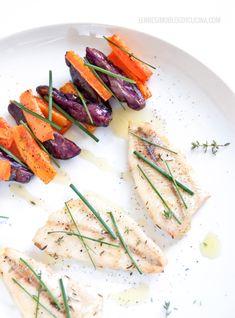 Una ricetta semplice e colorata di pesce persico, carote e patate viola (perch with carrots and purple potatoes). recipe & photos ©annafracassi
