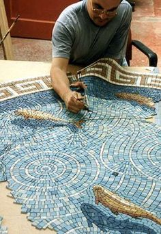 Gary Drostle working on his mosaic Fish Pond Pebble Mosaic, Stone Mosaic, Mosaic Art, Mosaic Glass, Mosaic Tiles, Stained Glass, Glass Art, Mosaic Mirrors, Tiling