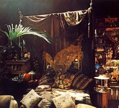 Moon to Moon: Minor Swing... Eclectic Bedrooms to bring out the Gypsy in you...Barbara Hulanicki's (BIBA) bedroom, 1975 Via Pinterest
