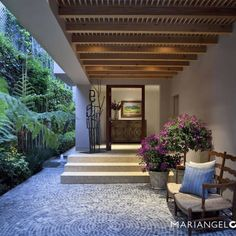 Vestíbulo : Pasillos, vestíbulos y escaleras modernos de MARIANGEL COGHLAN