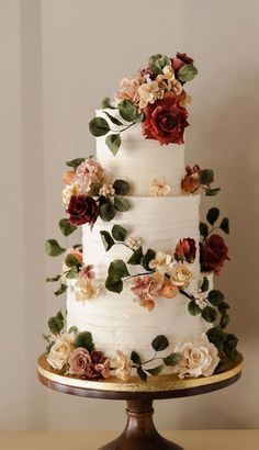 32 Jaw-Dropping Pretty Wedding Cake Ideas 32 Jaw-Dropping Pretty Wedding Cake Ideas <br> A delicious cake is the sweetest ending to a perfect wedding celebration. If you're looking for wedding cake inspiration, browsing through wedding cake pictures. Pretty Wedding Cakes, Amazing Wedding Cakes, Wedding Cake Rustic, Fall Wedding Cakes, Wedding Cake Designs, Wedding Themes, Wedding Colors, Wedding Ideas, Wedding Cakes With Roses