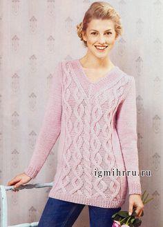 Элегантный розовый пуловер с крупными рельефными узорами, от финских дизайнеров. Вязание спицами