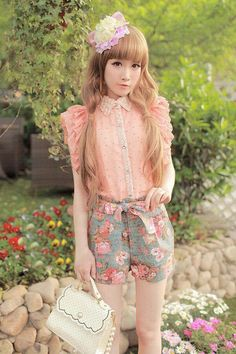 Cute Collar blouse and high wasted floral bow short