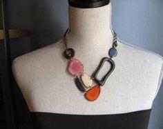 Collar naranja, rosa, gris, marrón, añil nuez de Tagua
