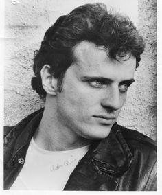 """Aidan Quinn is that Irish-American actor.with piercing ice-blue eyes, I might add. He almost made us not look at Madonna in """"Desperately Seeking Susan"""" too. Aidan Quinn, Hooray For Hollywood, Hollywood Stars, Famous Men, Famous Faces, I Movie, Movie Stars, Gorgeous Men, Beautiful People"""
