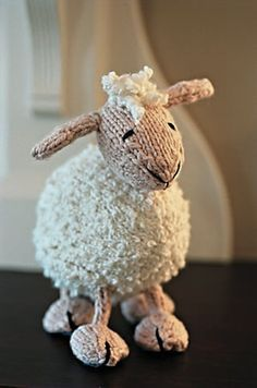 knitted lamb from Ravelry.com