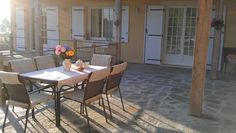 Vakantiehuis in de Lot - Dordogne  Frankrijk. Het terras achter.