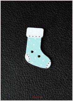 Boutons en bois chaussettes de noël modèle 13 x1 : Boutons par lilycherry