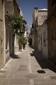 Photograph alley in Koutouloufari, Crete by Sebastian