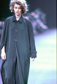Comme des Garçons Fall 1992 Ready-to-Wear Accessories Photos - Sandra Bernhard