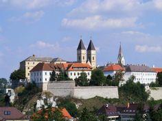 A 10 legszebb magyar nevezetesség Mansions, House Styles, Home Decor, Decoration Home, Manor Houses, Room Decor, Villas, Mansion, Home Interior Design