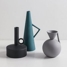 ✿Handmade ceramic vases, stylish minimalist living. ✿Materials: Ceramic / Pottery / Terracotta / Coloured Clay / Paste / Glaze ✿It is very stylish and it will add a nice look to any room in your home or office. It is a nice gift for that special someone to celebrate an anniversary, birthday,