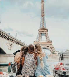 Take me to Paris!! •Pinterest:taniatopi •