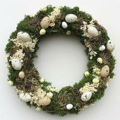 Wielkanoc - wianki-Wianek leśny na mchu