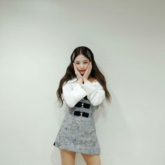Image shared by ʙʟᴀᴄᴋ ꜱᴡᴀɴ. Find images and videos about girl, fashion and cute on We Heart It - the app to get lost in what you love. Blackpink Jennie, Blackpink Fashion, Fashion Outfits, My Girl, Cool Girl, Jenny Kim, Kim Jisoo, Black Pink Kpop, Blackpink Photos