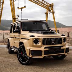 Top 5 Cars in 2019 Mercedes Benz Suv, Black Mercedes Benz, Old Mercedes, Mercedes G Wagon, Mercedes Convertible, New Car Wallpaper, Mercedes Benz Classes, Top Luxury Cars, Luxury Suv