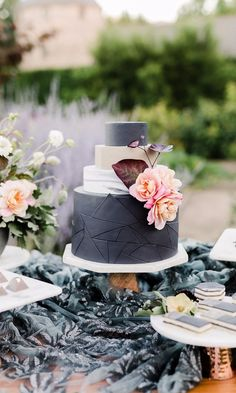 Remarkable Wedding Cake How To Pick The Best One Ideas. Beauteous Finished Wedding Cake How To Pick The Best One Ideas. Wedding Cake Fresh Flowers, Rustic Wedding Cake Toppers, Black Wedding Cakes, Floral Wedding Cakes, Cool Wedding Cakes, Beautiful Wedding Cakes, Wedding Decoration, Gorgeous Cakes, Gold Wedding