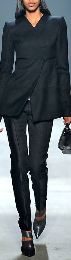 Narciso Rodriguez ● Fall 2014, Wool Twill Suit Nice use of second black to tie in body if needing to add on to a jacket to lengthen.