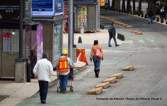 Carril peatonal. / Pedestrian lane.