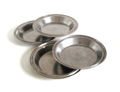 New to LaurasLastDitch on Etsy: Maid of Honor Stainless Steel Pie Pans #2371 No Drip Rim Juice Saver Vollrath Stainless Pie Pan Unmarked Pie Plate (18.99 USD)