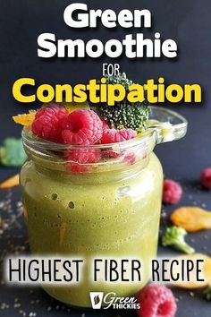 How to get rid of constipation? This green smoothie drink recipe for constipatio. - How to get rid of constipation? This green smoothie drink recipe for constipation works like magic. Smoothie Legume, Green Detox Smoothie, Healthy Green Smoothies, Fruit Smoothie Recipes, Raspberry Smoothie, Good Smoothies, Smoothie Ingredients, Smoothie Drinks, Smoothie Diet
