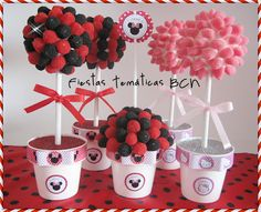 Arbolitos de chuches Beer Can Cakes, Candy Trees, Cake In A Can, Sweet Trees, Chocolate Flowers, Candy Bouquet, Mickey Mouse Birthday, Fiesta Party, Mouse Parties