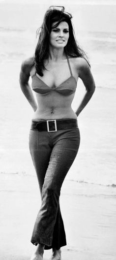 How bell bottoms were worn just before skinny girls became hot