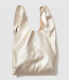 fashion bags baggu leather shopper in platinum, my next bag! Next Bags, My Bags, Purses And Bags, Look Fashion, Fashion Bags, Fashion Models, Net Fashion, Korean Fashion, Winter Fashion