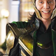 awwww, Loki! .... how can I feel threaten with that smile! ^_^