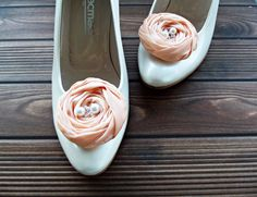 Peach Chiffon Roses Shoe Clips by BizimFlowers on Etsy