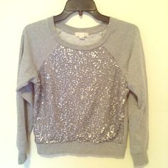 ✨Grey sweater (small) Forever 21 grey sweater  Juniors size small Lightly used Excellent condition ✅FASTSHIPPING⚡️ships out w/in 1-3 days ✅Smoke free/ Pet free home ❌NO TRADES Forever 21 Sweaters