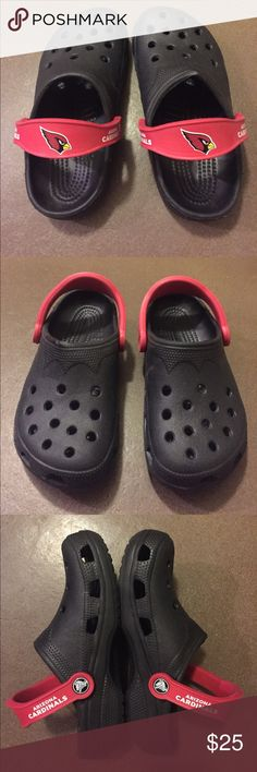 CROCS NFL Arizona Cardinals Clogs Size XS 4-5. Great condition gently worn. Plenty of use left in these as all photos show. CROCS Shoes