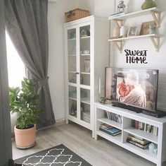 58 Trendy Ideas For Bedroom Design Ikea Style Ikea Living Room, Cozy Living Rooms, Living Room Interior, Apartment Living, Home And Living, Apartment Design, Beach Interior Design, Shelves In Bedroom, Cozy House