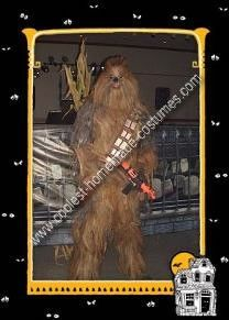 Homemade Chewbacca Costume: I decided to make this Chewbacca Costume for my husband for Halloween after seeing the price it was to buy it. Homemade Halloween Costumes, Halloween 2015, Diy Costumes, Halloween Ideas, Costume Ideas, Chewbacca Costume, Star Wars Costumes, Trunk Or Treat, Hallows Eve