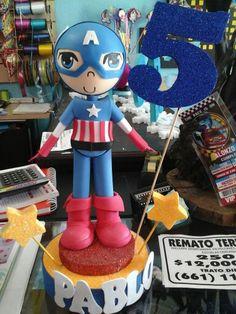Decoración para pastel o centro de mesa capitán América.