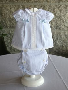 Referencia Conjunto RB-J04 - PVP 45,00€ Talla 0-3 meses Baby Dress Patterns, Heirloom Sewing, Cute Baby Clothes, Baby Girl Dresses, Baby Sewing, Boy Fashion, Boy Outfits, Crochet Baby, Softshell