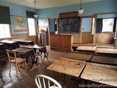 Farm Life, Memorial Day, Table, Furniture, Home Decor, Homemade Home Decor, Mesas, Home Furnishings, Desk
