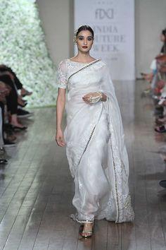 Manav Gangwani at India Couture Week 2016 Sari Design, Indian Fashion Trends, Ethnic Fashion, Lehenga, Anarkali, Sabyasachi, Indian Dresses, Indian Outfits, Beau Sari