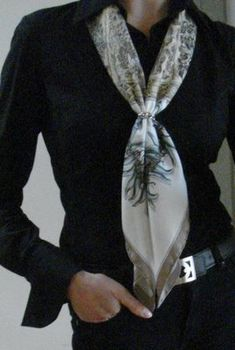 scarf tie idea with scarf pin Scarf Rings, Spring Scarves, Business Wear, How To Wear Scarves, Floral Scarf, Silk Scarves, Clothes, Tie, Outfit