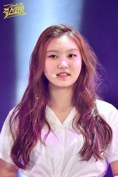 PLEDIS GIRLZ ♡ Bae SungYeon 배성연 • Shannon 샤넌 at Girl Spirit singing competition 160831 #성연 #배숭이