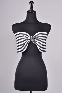 @Rachel Jensen 's Summer Outfit Inspiration: Black and White Bow Crop Top