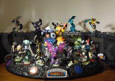 My Skylanders Undead Element figures from Skylanders Spyro's Adventure, Skylanders Giants and Skylanders Swap Force. Did you know that the skull bases on these figures Glow-In-The-Dark.