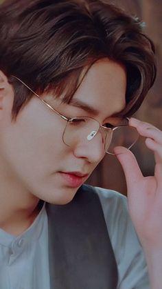 Lee Min Ho Images, Lee Min Ho Photos, Handsome Korean Actors, Handsome Boys, Got7 Jackson, Lee Min Ho Wallpaper Iphone, Korean Drama List, Legend Of Blue Sea, Actor