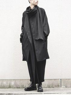 Yohji Yamamoto POUR HOMMEのダウンジャケット/コートを使ったfascinatestaff(FASCINATE)のコーディネートです。WEARはモデル・俳優・ショップスタッフなどの着こなしをチェックできるファッションコーディネートサイトです。