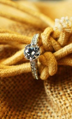 #wedding #engagement #ring #diamond