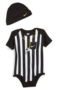 Gotta keep it sporty ! Nike Football Bodysuit & Hat (Baby) available at Source by Clothing Baby Boy Nike, Baby Boy Swag, Cute Baby Boy, Baby Boy Fashion, Kids Fashion, Nike Baby Clothes, Baby Boy Outfits, Kids Outfits, Nike Football